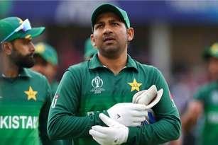 भारत से हार के बाद पाकिस्तान क्रिकेट टीम की मदद के लिए आगे आया वर्ल्ड चैंपियन बॉक्सर