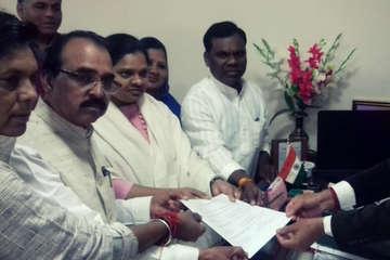 कांग्रेस विधायक हिना कांवरे ने डिप्टी स्पीकर के लिए भरा नामांकन