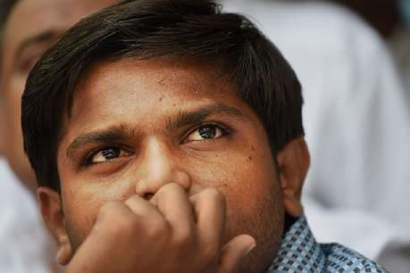 सूरत पुलिस से छूटते ही अहमदाबाद पुलिस ने किया हार्दिक को गिरफ्तार
