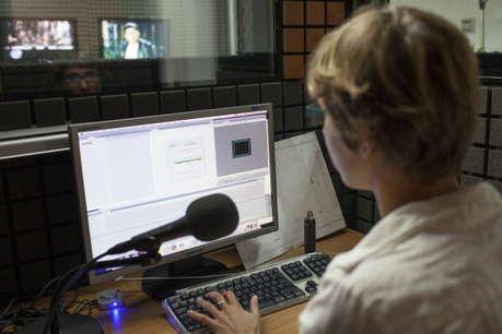 वीडियो एडिटिंग का करें कोर्स, चमक जाएगा करियर