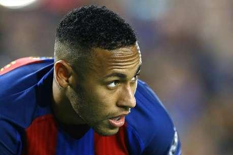 फुटबॉल के इस 'जादूगर' को बार्सिलोना से जुड़े रहने पर एक साल में मिलेंगे 15 अरब रुपये!