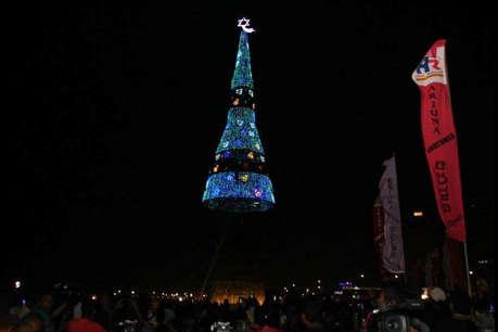 श्रीलंका ने किया सबसे बड़ा क्रिसमस ट्री बनाने का दावा