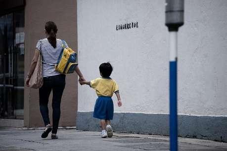 चीन :  अब दूसरा बच्चा पैदा करने पर सरकार देगी पैसा
