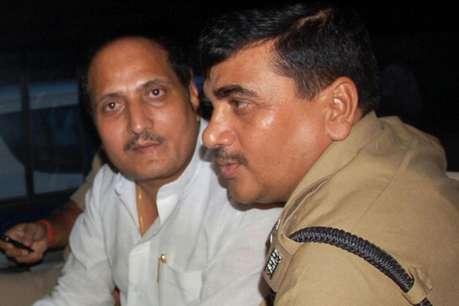 सीएम योगी के मंत्री सुरेश राणा समेत नौ के खिलाफ चार्जशीट