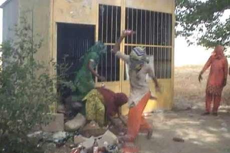 VIDEO: गुस्साई महिलाओं का ठेके के बाहर प्रदर्शन, तोड़ी शराब की सैंकड़ों बोतलें