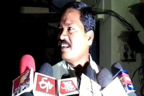 भाजपा विधायक धुर्वे बिना अनुमति करा रहे थे बोरवेल खनन, मीडिया को देख हटवाई मशीन