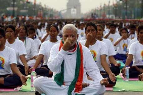 पीएम मोदी के साथ योग दिवस में शामिल नहीं होंगे मदरसे, सूर्य नमस्कार से ऐतराज़