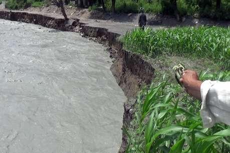चंबा में भारी बारिश से बाढ़, घराट और दुकानें बहीं