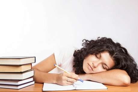 कहीं ये बीमारियां तो नहीं हैं आपके दिनभर के थकान की वजह