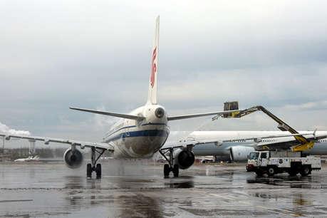 बीजिंग: लगातार हो रही बारिश की वजह से 360 उड़ानें रद्द