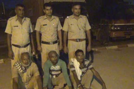 अवैध शराब की 2480 पेटियों सहित तीन आरोपियों पर कसा पुलिस का शिकंजा