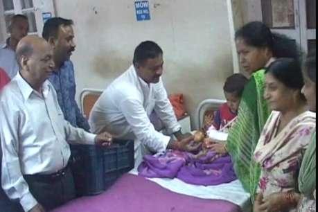 पीएम मोदी के जन्मदिन पर नाहन में मरीजों के बीच किया गया फल का वितरण