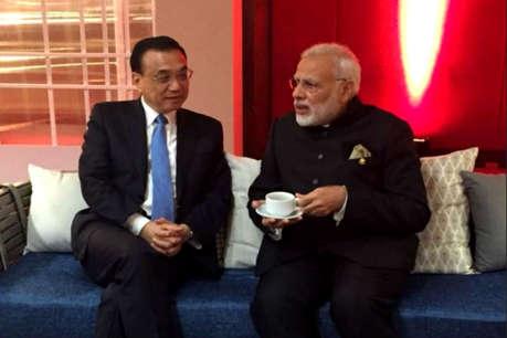 ASEAN: मनीला में मोदी ने की चीन के प्रधानमंत्री से बातचीत