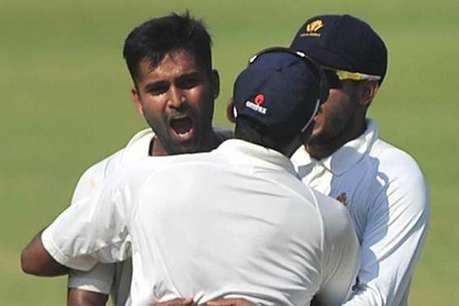 35 साल बाद इस गेंदबाज़ ने लगाई मुंबई के खिलाफ हैट्रिक