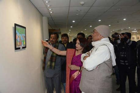 नीतीश कुमार ने किया पेंटिंग प्रदर्शनी का उद्घाटन