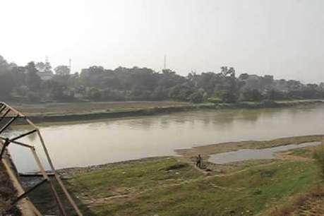 ऑनर किलिंग: घरवालों ने नाबालिग की हत्या कर शव को नदी में फेंका