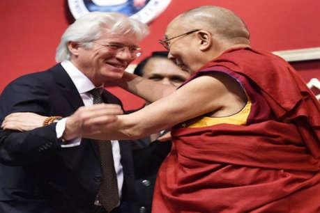 दलाई लामा के उपदेश सुनने बोधगया पहुंचे हॉलीवुड एक्टर रिचर्ड गेरे