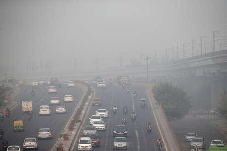 कोलकाता में भारी बारिश और तेज हवाओं के कारण चार की मौत, ट्रेन और हवाई यात्रा प्रभावित
