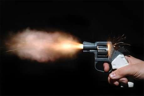 लूट के इरादे से आए बदमाशों ने डॉक्टर को मारी गोली, अस्पताल में भर्ती
