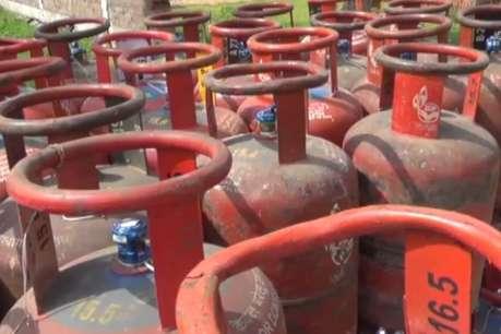 उज्ज्वला योजना के तहत इस वित्तीय वर्ष निर्धारित लक्ष्य से कम हुआ गैस वितरण