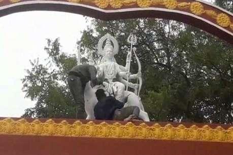 मां भद्रकाली मंदिर परिसर में ईंटखोरी महोत्सव की तैयारी जोरों पर