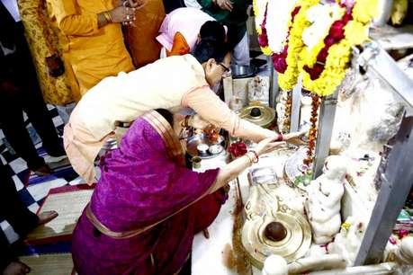 महाशिवरात्रि पर पत्नी संग महादेव मंदिर पहुंचे सीएम शिवराज