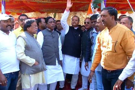 कोडरमा ब्लास्ट: राज्यपाल से मिलकर कांग्रेस नेताओं ने सरकार की बर्खास्तगी की मांग की