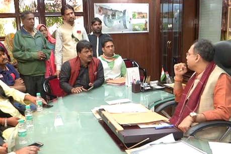 जयपुर में फल विक्रेताओं ने मेयर से मुलाकात कर सामने रखी अपनी समस्याएं