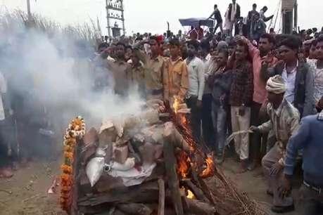 पंचतत्व में विलीन हुए जम्मू के शहीद केके मुन्ना, विदाई देने को उमड़ा जनसैलाब