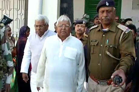 चारा घोटाला: लालू प्रसाद ने बिहार के तत्कालीन एजी को आरोपी बनाने की मांग की