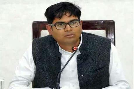 IAS से भाजपा नेता बने ओपी चौधरी की AAP ने बढ़ाई मुसीबतें