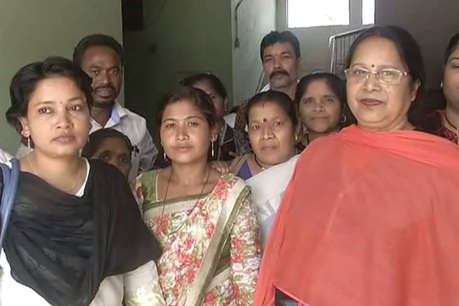 कठुआ में हुए सामूहिक दुष्कर्म के विरोध में महिला कांग्रेस ने जगदलपुर में निकाली रैली