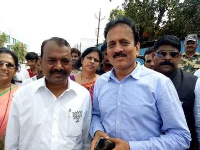 महाराष्ट्र बीजेपी के पालनहार बनते जा रहे हैं गिरीश महाजन, CM ने दी पालघर लोकसभा उपचुनाव की जिम्मेदारी