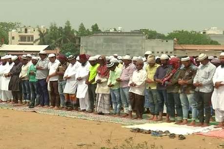 नमाज पर विवाद: खून से पत्र लिखेंगे हिन्दू संगठन