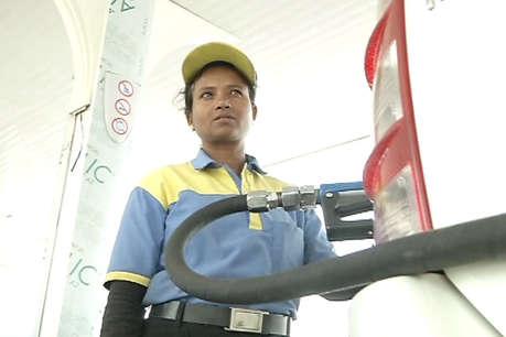 तेल की कीमतों में लगी आग, जयपुर में पेट्रोल 77.82 और डीजल 70.93 प्रति लीटर
