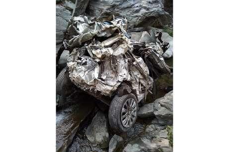 पौड़ी में 300 फ़ीट गहरी खाई में गिरी स्विफ़्ट, कार सवार एक महिला, दो पुरुषों की मौत
