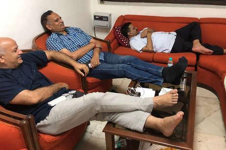 केजरीवाल ने PM मोदी को लिखी चिट्ठी, कहा- आप ही खत्म करवा सकते हैं ऑफिसर की हड़ताल