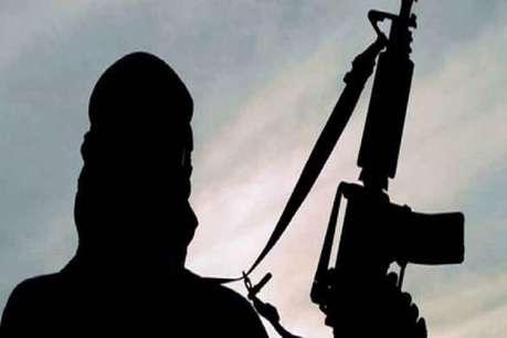 कश्मीर: CRPF जवान से बंदूक छीन आतंकी फरार