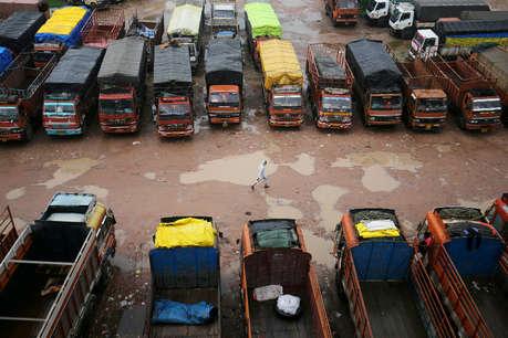 आठ दिन बाद ट्रक ऑपरेटरों की हड़ताल खत्म, सरकार ने दिया मांगों पर विचार का आश्वासन