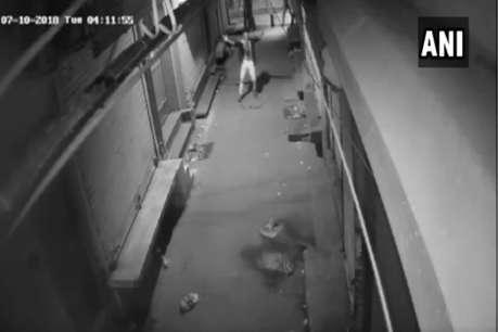 चोरी से पहले दिखा CCTV कैमरा तो ठुमकने लगा चोर