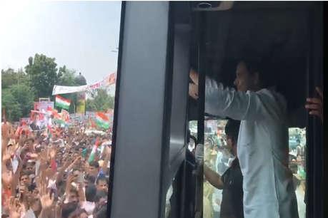 राजस्थान कांग्रेस ने दिखायी ताकत, राहुल के रोड शो में दिखा जबर्दस्त उत्साह