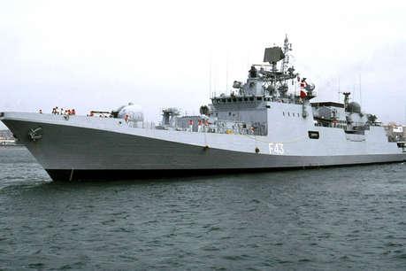 समुद्र में तैनाती वाले कैडर में महिलाओं को भर्ती नहीं करना नीतिगत फैसला: केंद्र