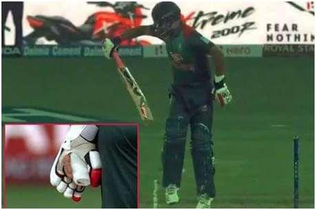 फ्रैक्चर के बाद भी बल्लेबाजी को उतरे तमीम इकबाल, एक हाथ से की बैटिंग