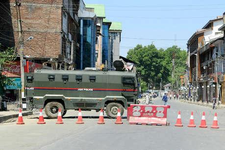 कश्मीर में आतंकियों की 'उम्र' घटी, दो साल में 360 आतंकी ढेर: CRPF DG
