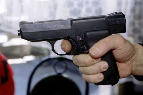 मैक्सिको सिटी में बंदूकधारियों ने पांच व्यक्तियों को गोली मारी