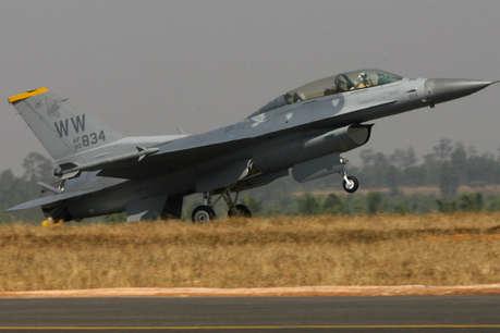रक्षा मंत्रालय ने किया साफ, बेंगलुरु में ही होगा एयरो इंडिया का आयोजन