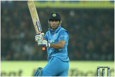 एशिया कप में टीम इंडिया की जीत के लिए एमएस धोनी ने मंदिर में मांगी दुआ!