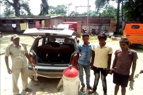 सीएनजी टैंक में शराब लाने का अजीबोगरीब तरीका, तीन कारोबारी गिरफ्तार