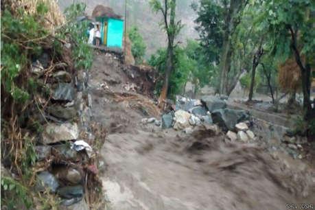 अगले 48 घंटे उत्तराखंड के लिए मुश्किल, कई इलाकों में भारी बारिश की चेतावनी