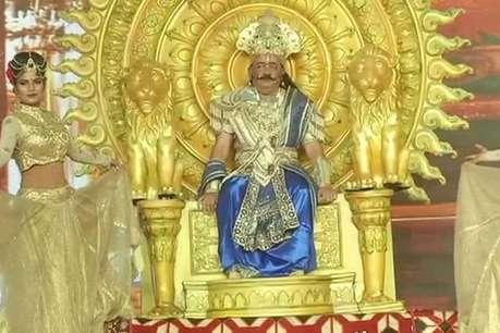 शाही हाव-भाव के साथ केंद्रीय मंत्री ने दिया 'सीता के स्वयंवर' का आदेश, क्या पहचान पाए आप?